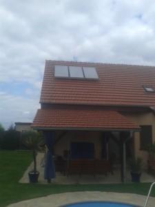Solární panely pro ohřev teplé vody.